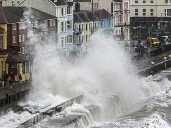 Ngủ mơ thấy lũ lụt mang điềm báo gì?