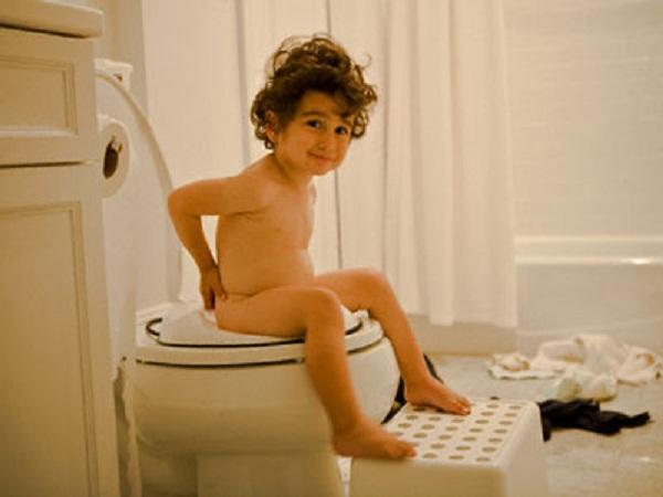 Mơ thấy đi vệ sinh có điềm gì?