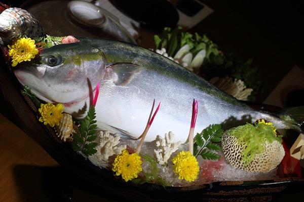 Ý nghĩa giấc mơ thấy ăn cá to