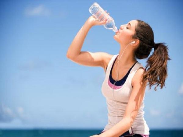 Mơ thấy uống nước là điềm báo gì?