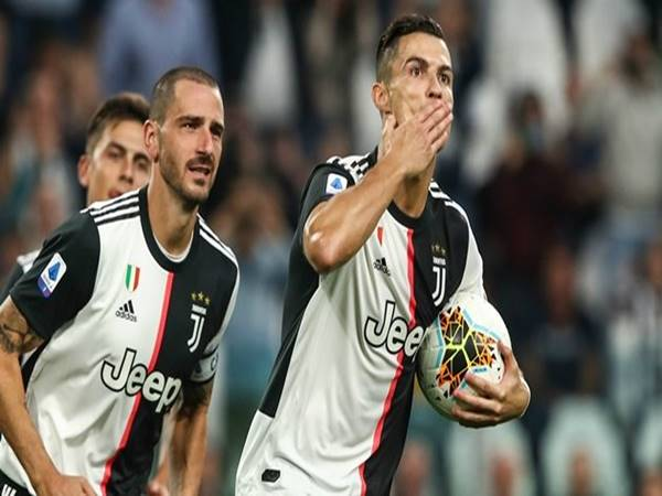 juventus-dang-so-huu-2-cau-thu-hot-nhat-the-gioi