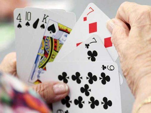 Đánh game bài phỏm đòi hỏi sự tính toán rất cao