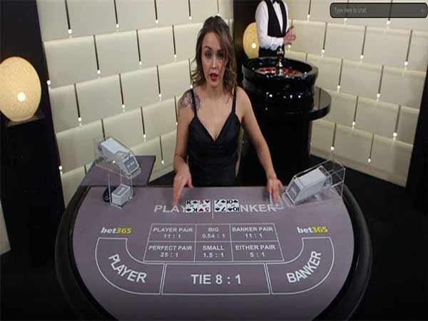 Baccarat là trò đánh bài phổ biến ở hầu hết các nhà cái