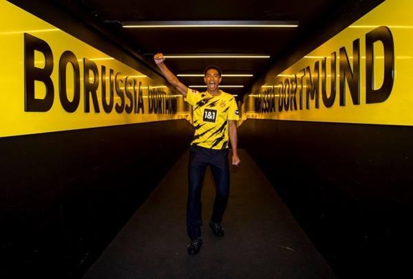 Tin bóng đá tối 20/7: MU mất sao trẻ Jude Bellingham 17 tuổi vào tay Dortmund