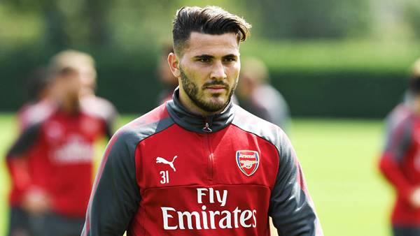 Arsenal chia tay cầu thủ đầu tiên ở kỳ chuyển nhượng mùa Đông