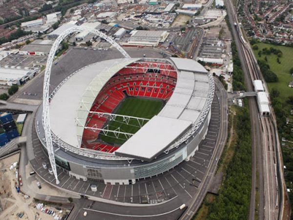 Cấu trúc độc đáo của sân vận động Wembley.