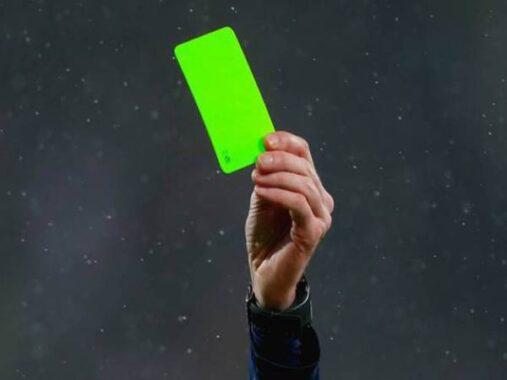 Thẻ xanh trong bóng đá và những điều mà ít ai biết đến